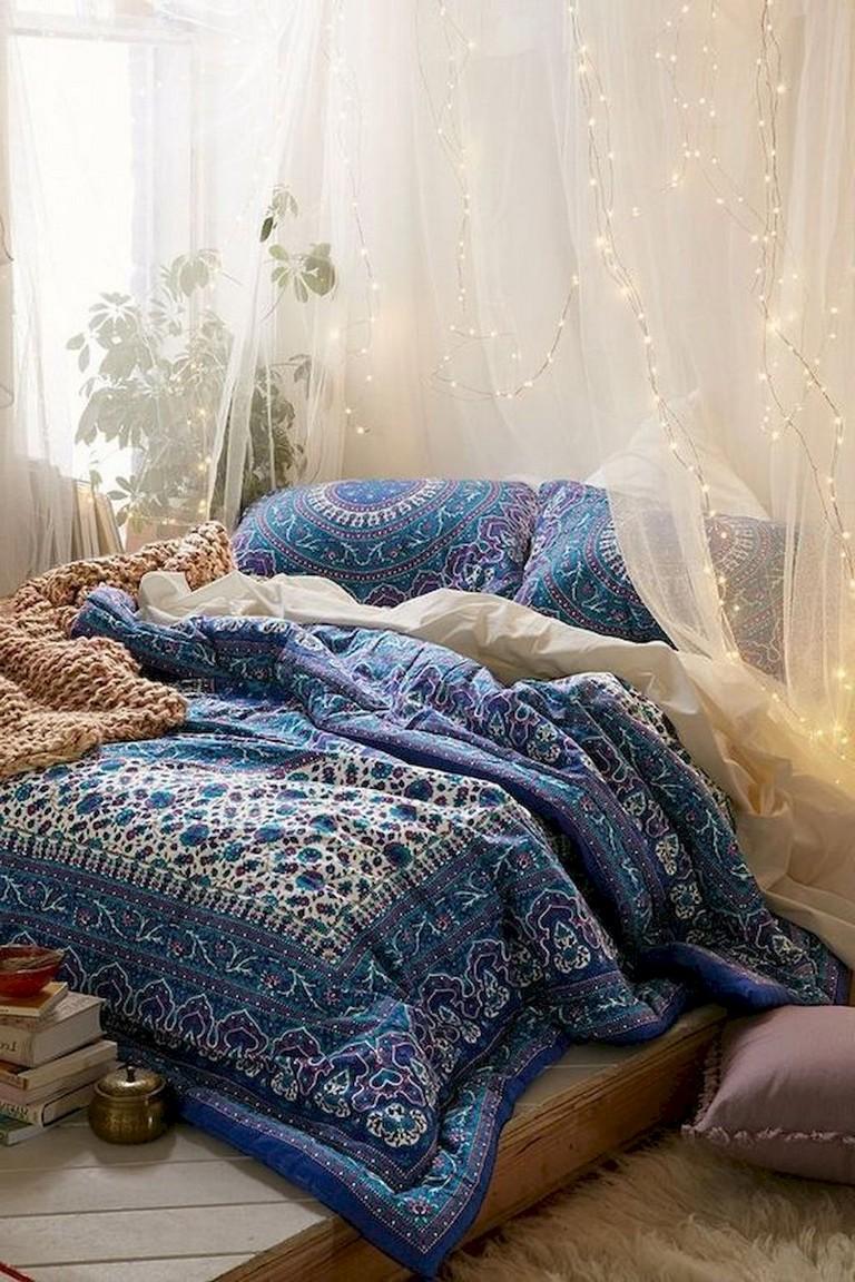 89+ Cozy & Romantic Bohemian Style Bedroom Decorating ...